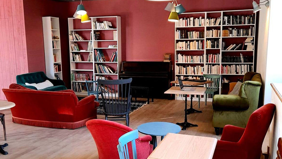 Canapées Bibliothèques Kafe Le K-Babo